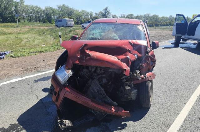 В районе села Новотроицкое произошла авария.