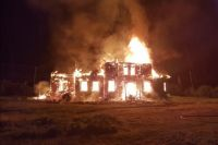 Церковь сгорела дотла.