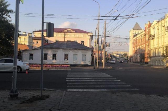 В Оренбурге полиция проводит проверку по факту ДТП.