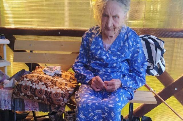 Пермячка переодела, накормила бабушку и отправила в больницу.