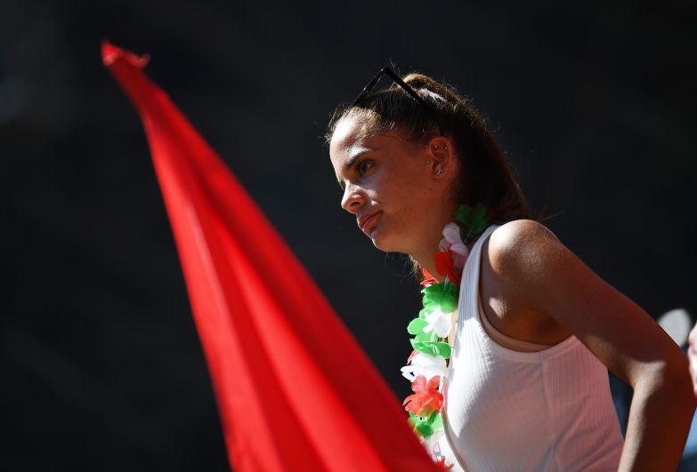 Болельщица во время матча Хорватия-Франция