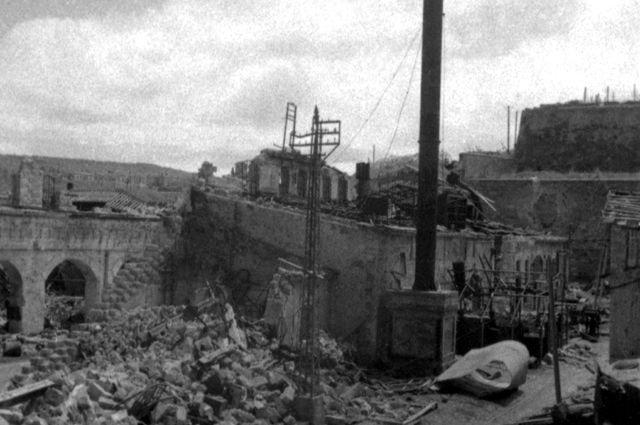 Разрушенный фашистами Севастополь.1941год.