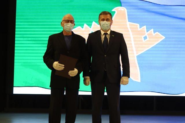 В числе награждаемых – медики, которые были на передовой в борьбе с коронавирусом