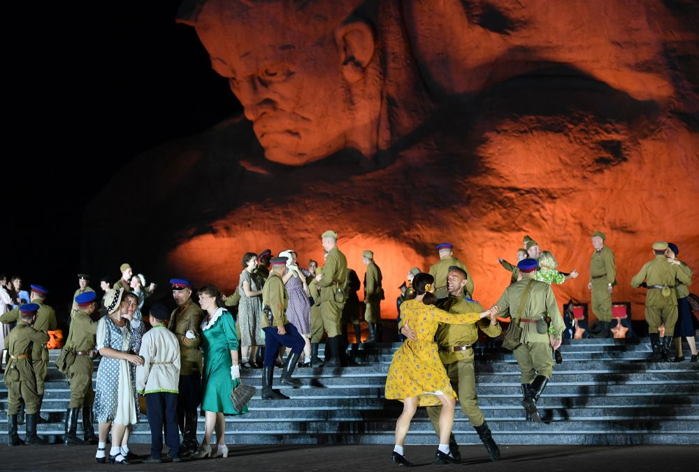 Участники театрализованного представления во время мероприятий, посвященных началу Великой Отечественной Войне