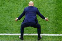 Когда сборная России получила очередной гол от Дании, захотелось попросить Черчесова самого встать в ворота.