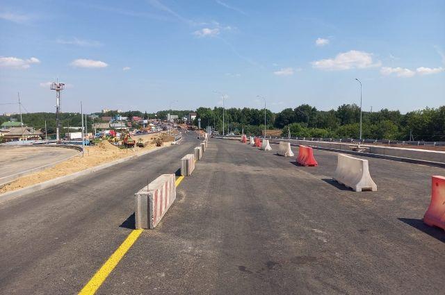 Движение автомобилей по эстакаде развязки в Ольгино откроется 25 июля