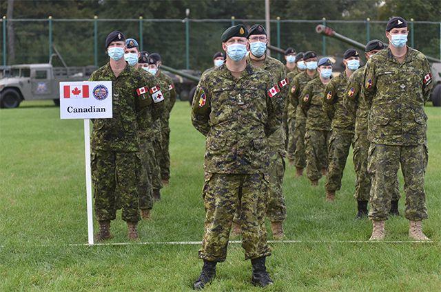 Военнослужащие Канады.