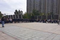 В Тюмени на Площади Памяти пели военные песни и читали стихи о войне