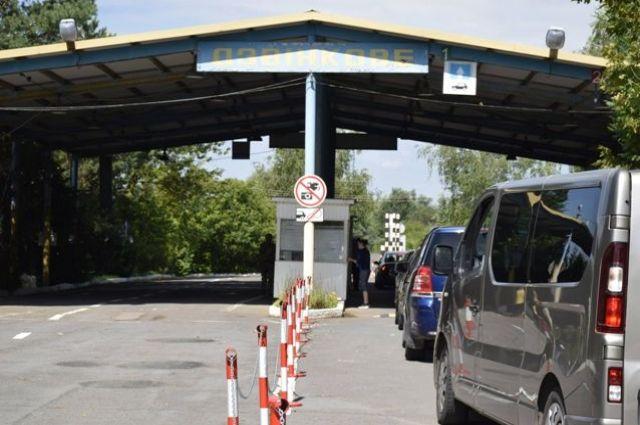 Венгрия открывает пункт пропуска на границе с Украиной.
