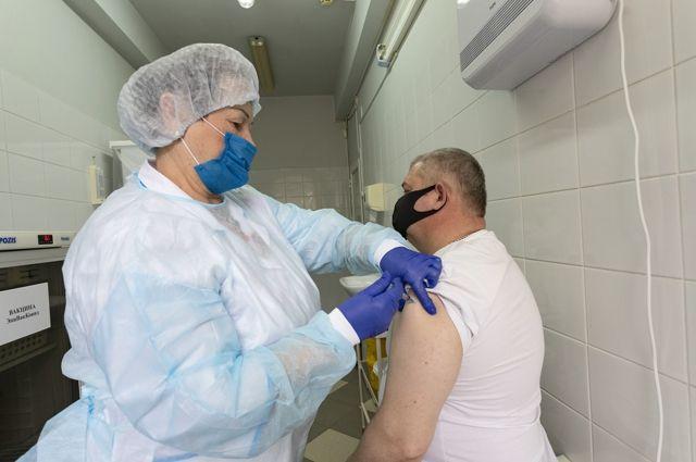 В Калининграде вводят обязательную вакцинацию для некоторых групп населения