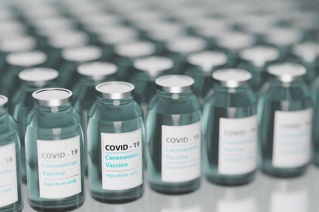 В Югру в пандемию поступило более 300 тысяч комплектов вакцин от Covid-19