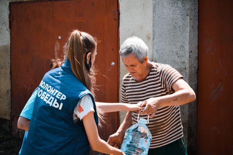 На сегодняшний день пострадавшими в результате стихийного бедствия в Ялте, числятся 54 человека.