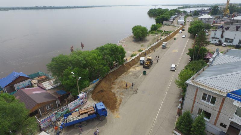 В Благовещенске на основных подступах воды к городу ведутся берегоукрепительные работы