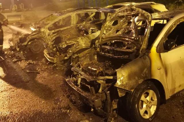 Возгорание машин произошло в микрорайоне Университетский.