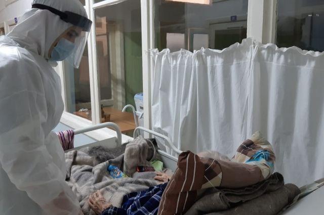 Тяжёлое течение ковида наблюдается у непривитых больных.