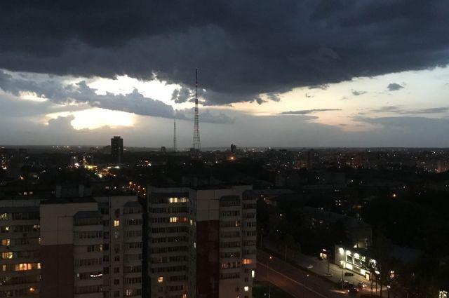 Во второй половине дня 24 июня в Калининграде ожидают грозу и ураган