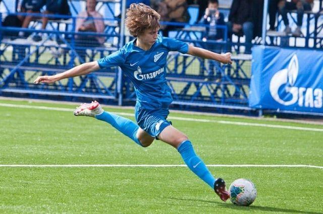 Талантливых футболистов в России много, только надо развивать их талант.