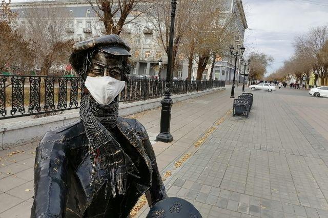В третью волну коронавируса в Оренбуржье чаще болеют молодые люди.