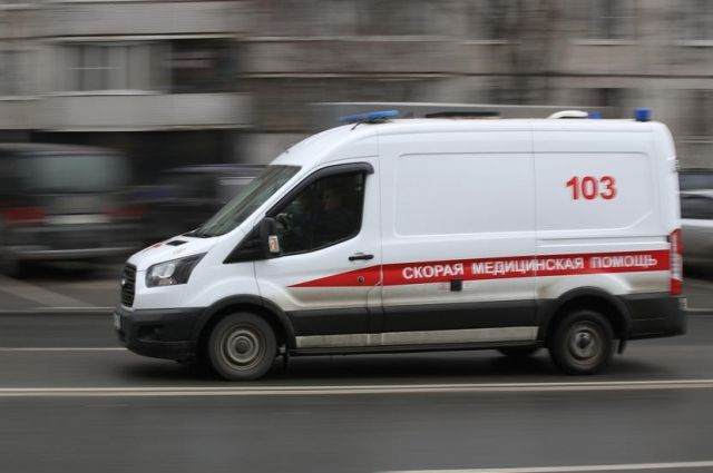 Вечером 26 июня в Оренбурге парень выпал с балкона дома.