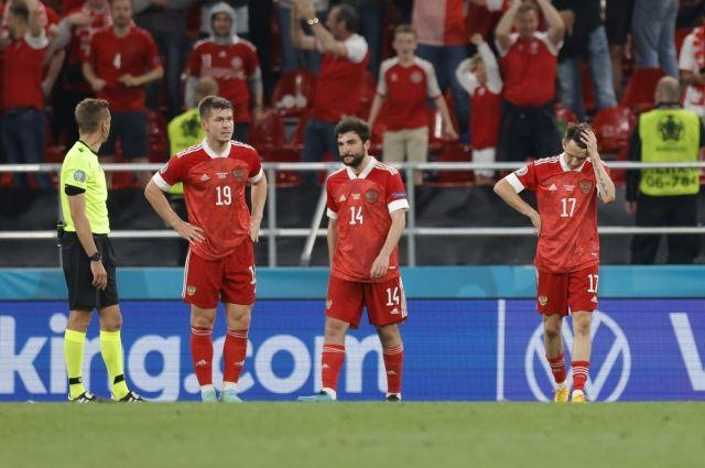 Сборная России не вышла из группы, но основные проблемы нашего футбола - не в фигуре тренера и конкретных игроках, а намного глубже.