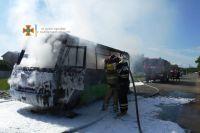 В Харькове во время движения загорелась маршрутка: пострадавших нет