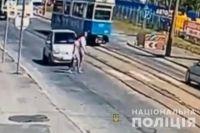 В Виннице автомобиль сбил семейную пару на пешеходном переходе