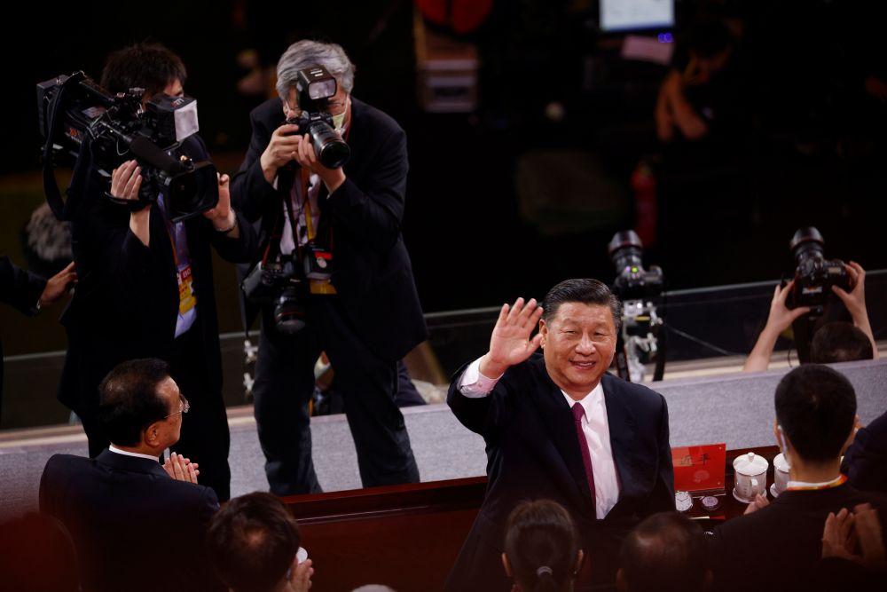 Председатель КНР Си Цзиньпин посетил гала-концерт в честь 100-летия образования Коммунистической партии Китая
