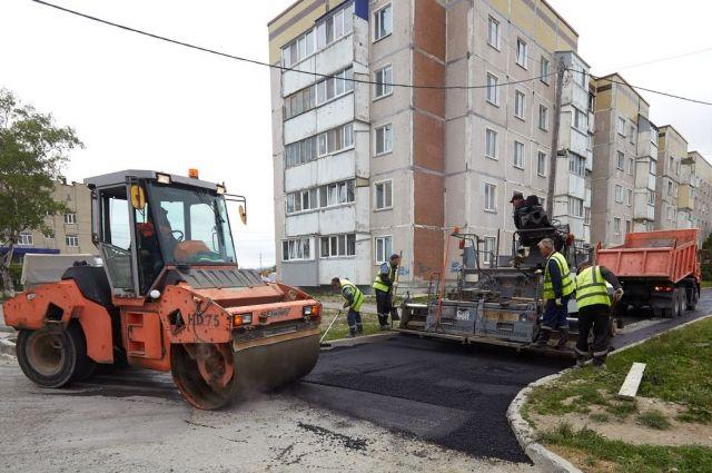 Накануне ремонтная бригада завода им. М.А. Федотова работала возле домов по улице Украинской, 115 и 117.