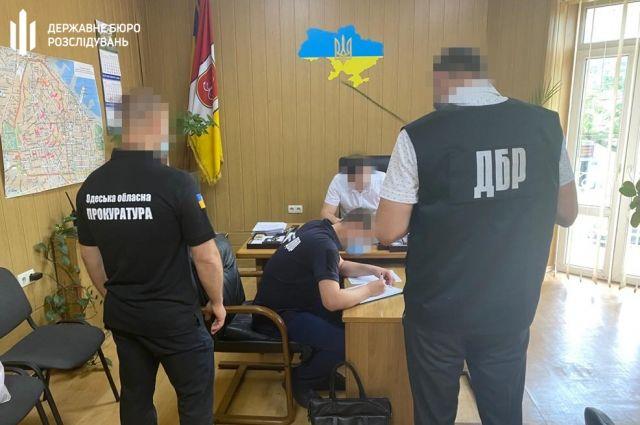 В Одессе чиновник полиции попался на продаже арестованного автомобиля