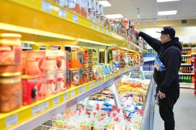 Расширяется сеть социальных магазинов, где применяется минимальная торговая наценка не более 15%.