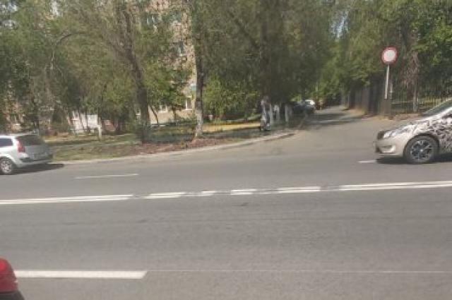Оренбургским водителям не понравились свеженанесенные разметки на улицах Салмышской и Туркестанской.