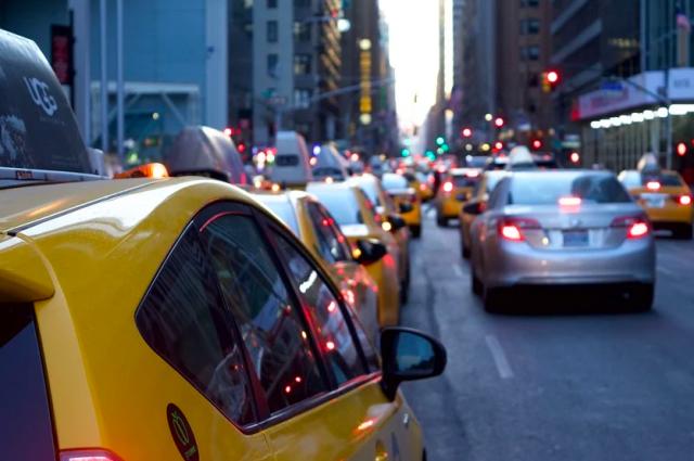 В Оренбурге таксист заявил о телефонном мошенничестве.