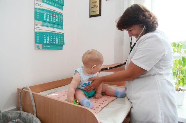 В Оренбурге детская поликлиника №4 проводит перераспределение маленьких и юных пациентов.