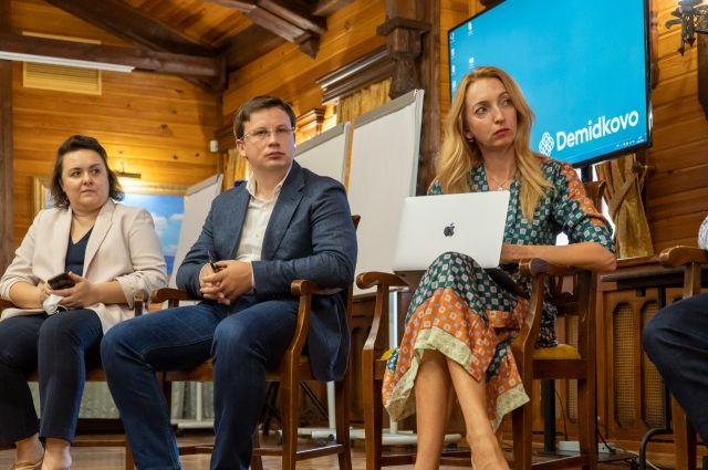 Итоги конкурса подведут в конце августа, когда Пермском крае завершится программа дополнительного профессионального образования по цифровизации школ.