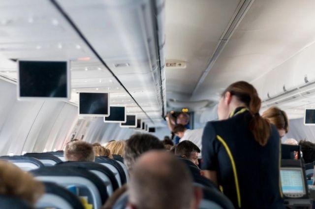 В Оренбурге задержали 40-летнего авиадебошира, весь полет матерившего бортпроводников.