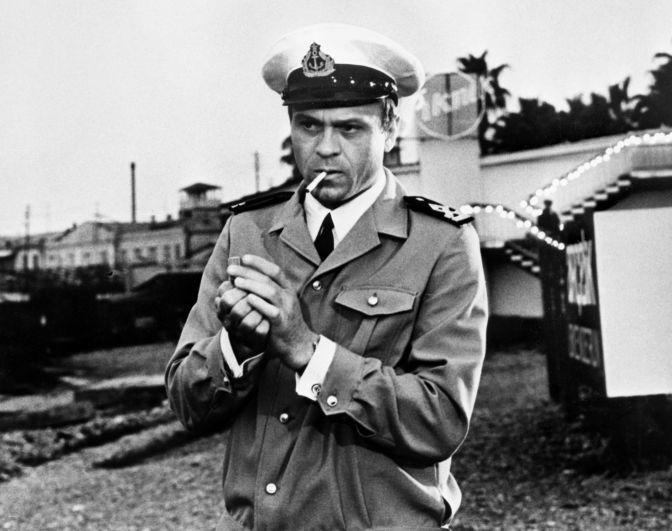 Владимир Меньшов в роли Мартьянова в кадре из фильма «Солёный пёс», 1973 год