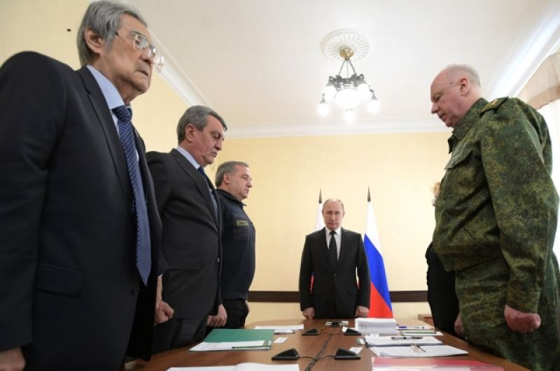 Март 2018 г.: минута молчания по погибшим в «Зимней вишне». Путин провёл совещание о ликвидации последствий пожара.