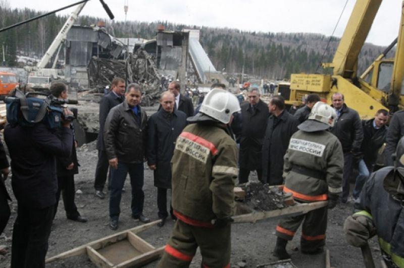 2010 год – на шахте «Распадской» после разрушительной аварии, унесшей жизни 91 человека.