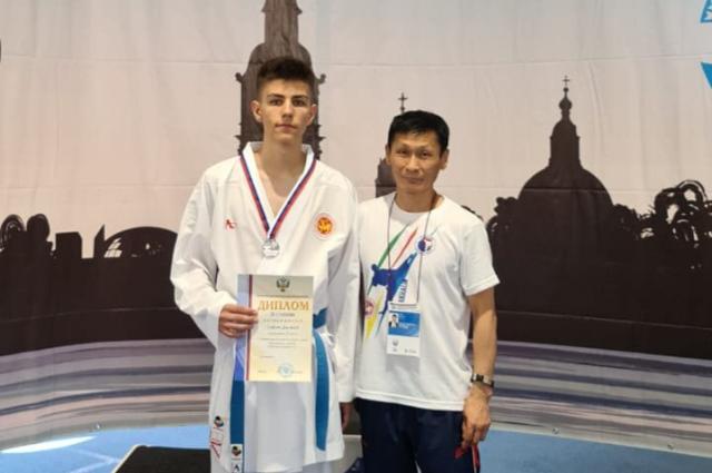 По итогам выступлений спортсмену присвоено звание «Кандидат в мастера спорта», кроме этого, он обеспечил себе место в сборной России.