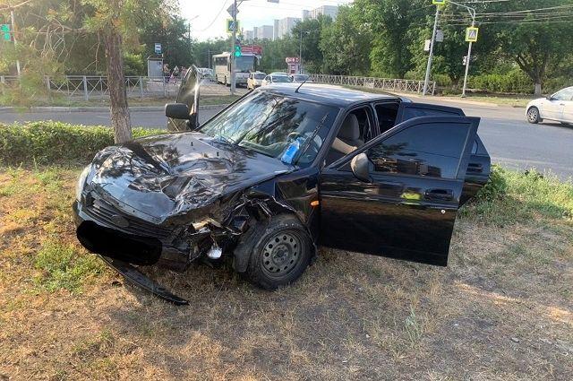 В Оренбурге 6-летняя девочка пострадала в ДТП с участием автобуса.