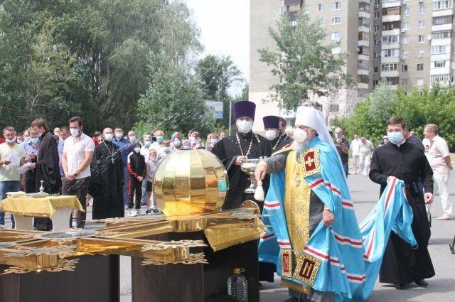 Чин освящения совершил митрополит Уфимский и Стерлитамакский Никон.