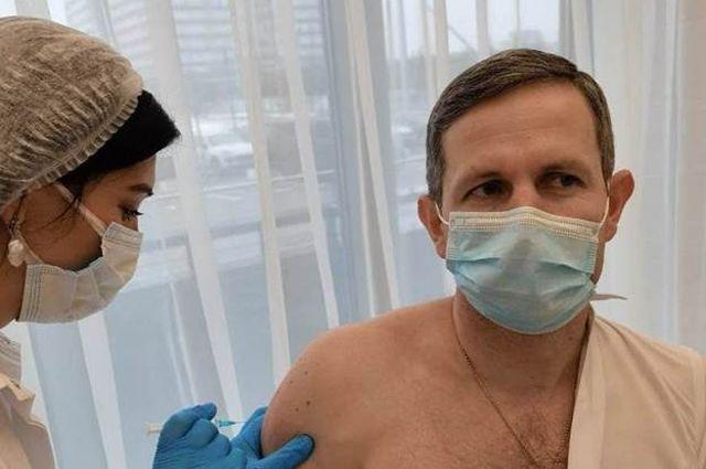 Сделать выбор. Глава наукограда Пущино поставил прививку от COVID-19