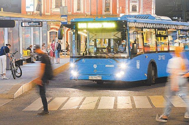 Пересадочный узел около ст. м. «Китай-город». Здесь встречаются почти все ночные автобусы.