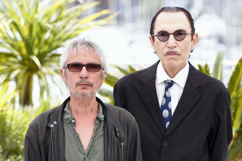 Кинорежиссёр Леос Каракс и музыкант Рон Мэйл (слева направо)