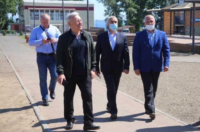 В Новосёлово с визитом побывал губернатор края Александр Усс.