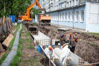 Реконструируют центральный водопровод на улице Северо-Енисейской.