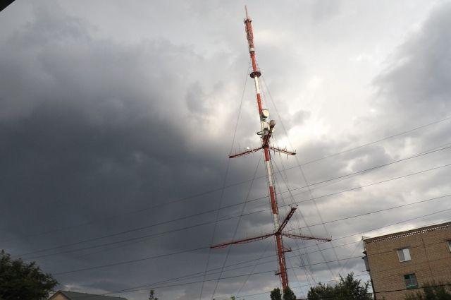 В Оренбурге модернизируют оборудование телевизионной башни.