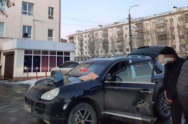 В Оренбурге под суд пойдет адвокат-взяточник и его сообщник.