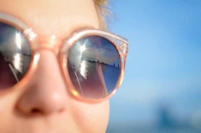 Ультрафиолетовые лучи влияют не только на кожу, но и на глаза.