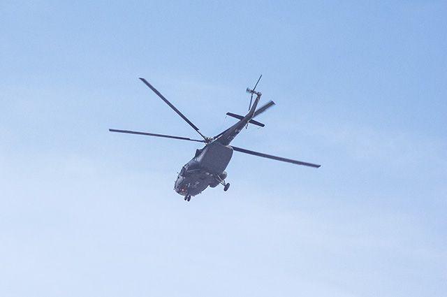 Инспектора удалось вывезти в Красновишерск на вертолёте.